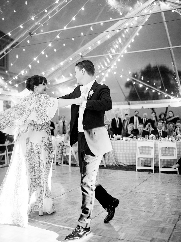 lakeside tent wedding in illinois